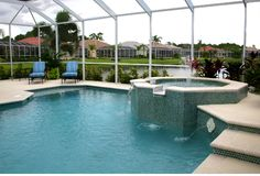 klatki w środku basenu zdjęcie royalty free