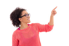 Klatschkonzept - glückliche hübsche Afroamerikanerjugendliche Lizenzfreie Stockfotos