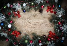 klaus santa för frost för påsekortjul sky Julkran på träbakgrund Royaltyfria Bilder