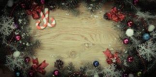 klaus santa för frost för påsekortjul sky Julkran på träbakgrund Royaltyfria Foton