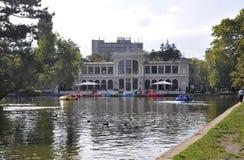 Klausenburg-Napoca RO, am 24. September: Central Park-historisches Gebäude in Klausenburg-Napoca von Siebenbürgen-Region in Rumän Lizenzfreie Stockfotos