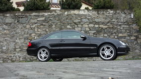Klausenburg Napoca/Rumänien 7. April 2017: Coupé Mercedes Benzs W209 - Jahr 2005, Eleganzausrüstung, schwarzes metallisches, 19-Z Stockfotos