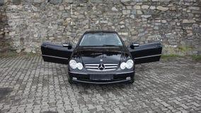 Klausenburg Napoca/Rumänien 7. April 2017: Coupé Mercedes Benzs W209 - Jahr 2005, Eleganzausrüstung, 19-Zoll-Leichtmetallräder, L Lizenzfreie Stockfotos