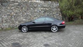 Klausenburg Napoca/Rumänien 7. April 2017: Coupé Mercedes Benzs W209 - Jahr 2005, Eleganzausrüstung, 19-Zoll-Räder, Profilansicht Lizenzfreies Stockbild
