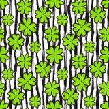 Klaver naadloos patroon op textuur gestreepte achtergrond Manierachtergrond voor textielontwerp Verpakkend en verpakkend document Royalty-vrije Stock Foto