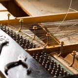 Klavier bauen auseinander lizenzfreies stockbild