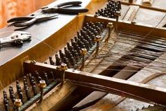 Klavier bauen auseinander lizenzfreies stockfoto