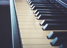 Klavier befestigt warmen Ton der Weinlese Lizenzfreie Stockfotografie