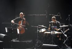 Klavier-Knall Zade Dirani führt bei Bahrain, 2/10/12 durch Stockfotos