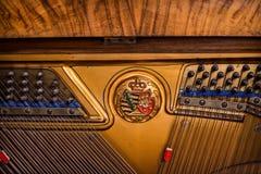 Klavierdetail eines alten deutschen Klaviers Stockfotografie