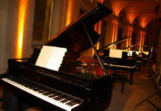 klaviere lizenzfreie stockfotografie