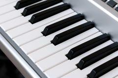 Klavierschlüssel, synth Nahaufnahme, Hintergrund stockfotos