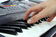 Klavierspieler lizenzfreie stockbilder