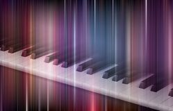 Klaviertastatur auf buntem Hintergrund Stockbild