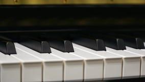 Klaviertastatur mit Nahaufnahmeschuß lizenzfreies stockfoto