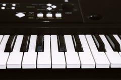 Klawiatura lub pianino dla cyfrowego muzycznego nagrania, muzycznego instrumentu tło, muzyczny pojęcie Fotografia stary używać sy Fotografia Royalty Free