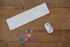Klawiatura, mysz i blokowy list z z powrotem pracować tekst, Obrazy Royalty Free