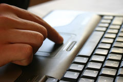 klawiatura ręce Zdjęcia Stock