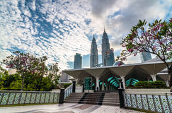 KLCC-Before sunset. KLCC Twin Tower from Asy-Syakirin Mosque Stock Photography
