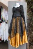 Kläder för renässans för kvinna` s klär & smycken Fotografering för Bildbyråer