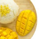 Klebriger Reis der Mango, thailändischer Nachtisch lizenzfreie stockfotos
