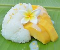 Klebriger Reis der Mangofrucht stockbild
