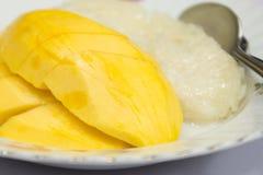 Klebriger Reis der Mangofrucht lizenzfreies stockfoto