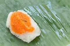 Klebriger Reis mit Garnele und Fetzenkokosnuß Lizenzfreies Stockfoto