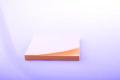 Klebriges Papier des Blockes der gelben Farbe Lizenzfreies Stockbild