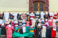 Kleding voor Verkoop in Oaxaca royalty-vrije stock foto