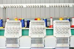Kledingstukfabriek Het materiaal voor een borduurwerk op stof Stock Afbeelding