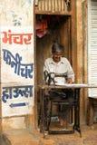 Kleermaker in Jaisalmer Stock Afbeeldingen