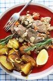 Kleftiko和烘烤土豆从上面 免版税库存照片