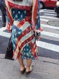 Kleid der amerikanischen Flagge Stockfotos
