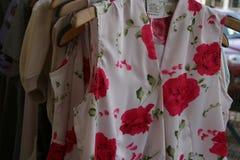Kleider für Verkauf stockfoto