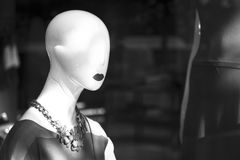 Kleidet blinder Modespeicher des Shops Mannequin Lizenzfreies Stockfoto
