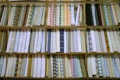 Kleidung auf innerem Ausstellungsraum der Bildschirmanzeige, Delhi Lizenzfreies Stockfoto