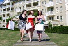 Kleidung-Einkauf Stockfotos