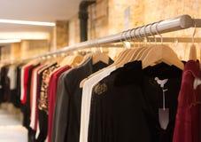 Kleidung in Folge Stockbilder