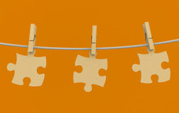 Kleidung-Stöpsel Puzzlespielseil hölzern Lizenzfreies Stockfoto
