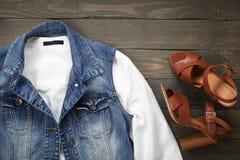 Kleidung und Schuhe Stockbilder