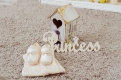Kleidung und Schuhe für Babys Stockfotos