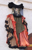 Kleidungs-Butike der Renaissance-Frauen Kleider Stockbilder