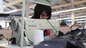 Kleidungsfabrik stock video