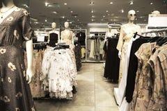 Kleidungsshop lizenzfreie stockfotografie