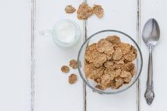 Kleieflocken - gesunde Frühstückszusammensetzung lizenzfreies stockbild