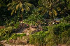 Klein Aziatisch dorp met traditioneel blokhuis Stock Foto