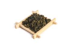 Klein bamboe dienend dienblad met de thee van Bandguan yin oolong Stock Afbeelding