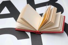 Klein boek Royalty-vrije Stock Afbeeldingen