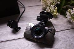 Klein cameraapparaat voor controle, dat in de auto wordt ge?nstalleerd Details en close-up royalty-vrije stock afbeeldingen